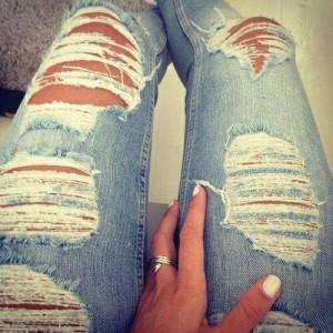 yirtik-jean-pantolon-modelleri-30